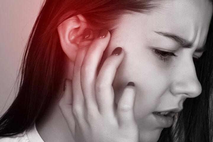 Ngứa tai phải điềm báo gì?