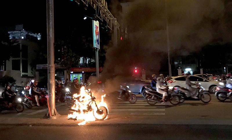 Nằm mơ thấy cháy xe máy thì sẽ mang ý nghĩa gì?